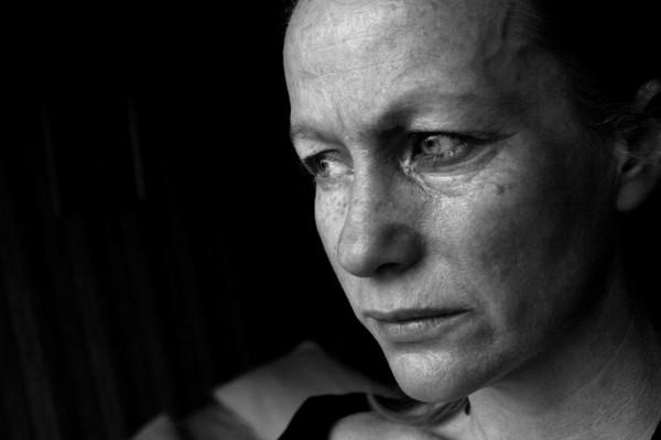 """Gwałt dużo częściej przytrafia się w domu niż w """"szemranej uliczce""""/fot. Fotolia"""